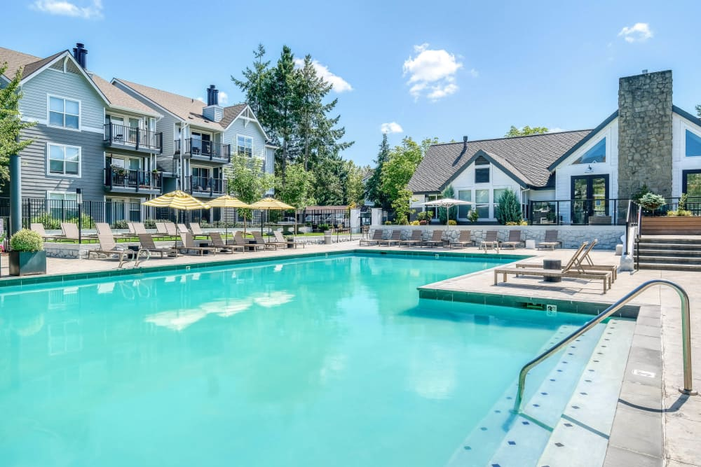 Gorgeous resort-style swimming pool at Centro Apartment Homes in Hillsboro, Oregon
