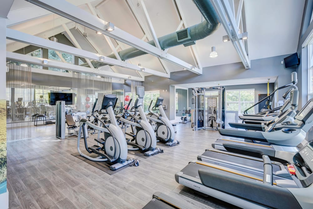 Well-equipped onsite fitness center at Centro Apartment Homes in Hillsboro, Oregon