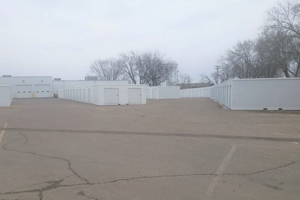 Exterior storage units for rent at Storage 365 in Golden Valley, Minnesota