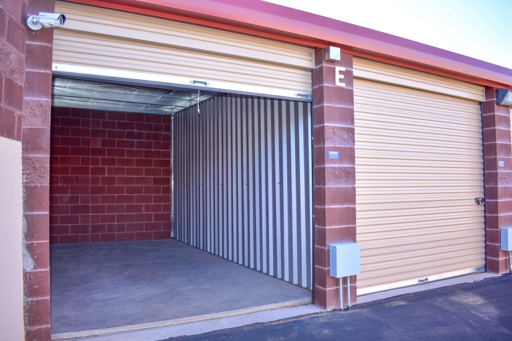 Learn about the convenient drive-up storage options at STOR-N-LOCK Self Storage in Hurricane, Utah
