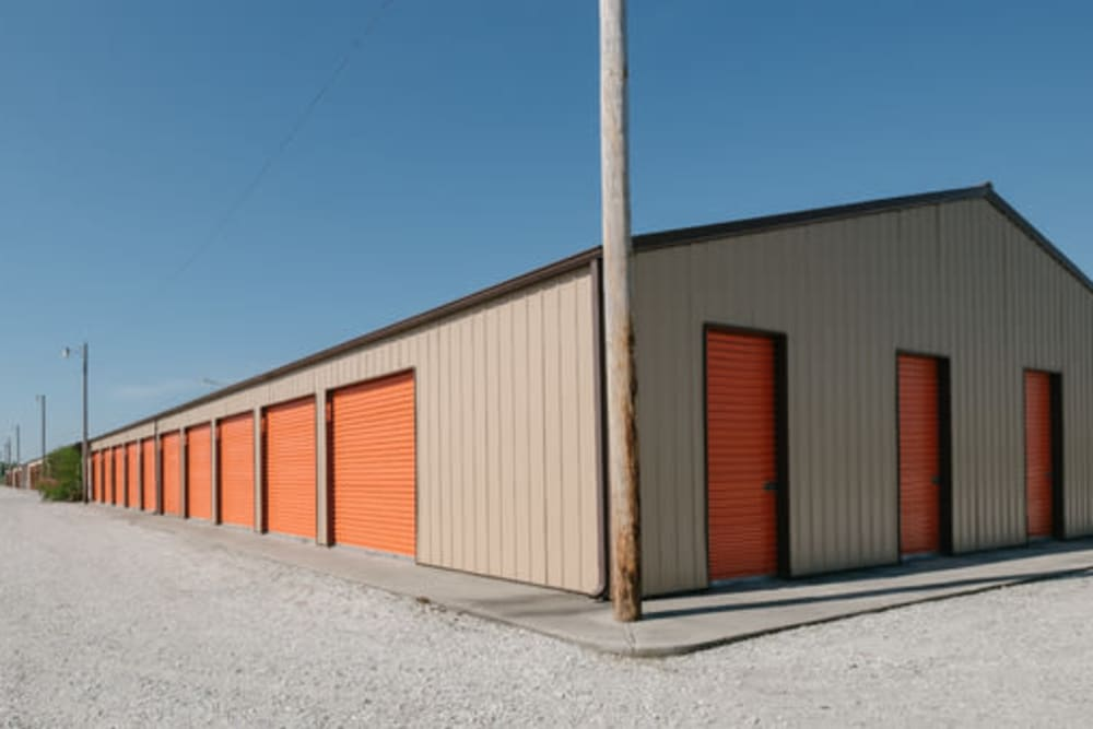 Easy access self storage units at StayLock Storage in Demotte, Indiana