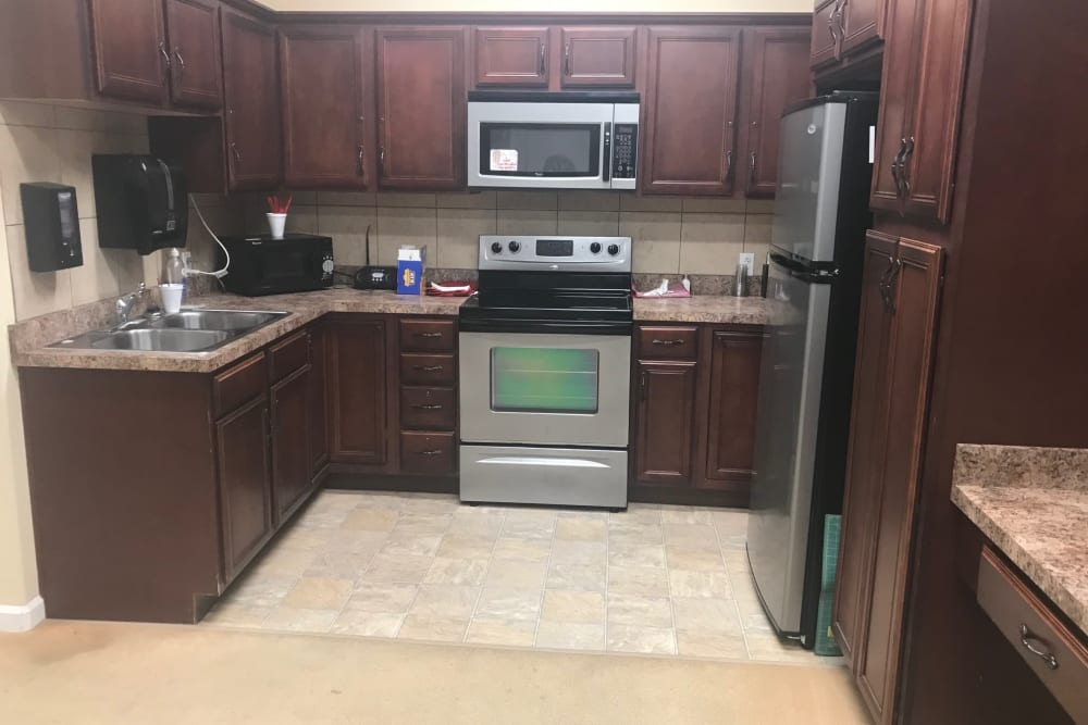 Fully equipped kitchen at Arcadian Cove in Richmond, Kentucky.