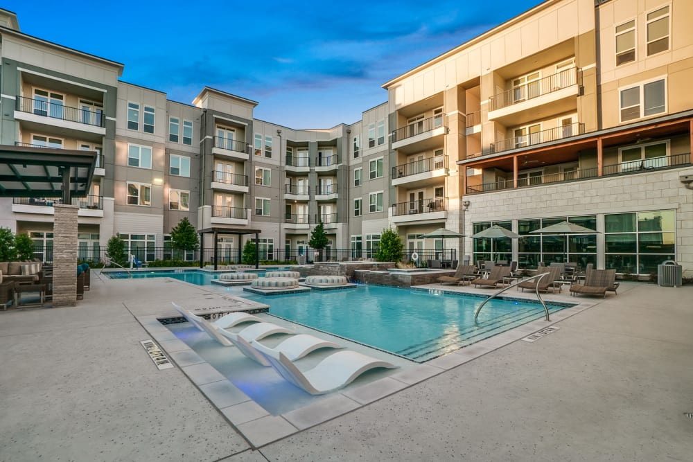 Sparkling resort-worthy swimming pool at One90 Firewheel in Garland, Texas