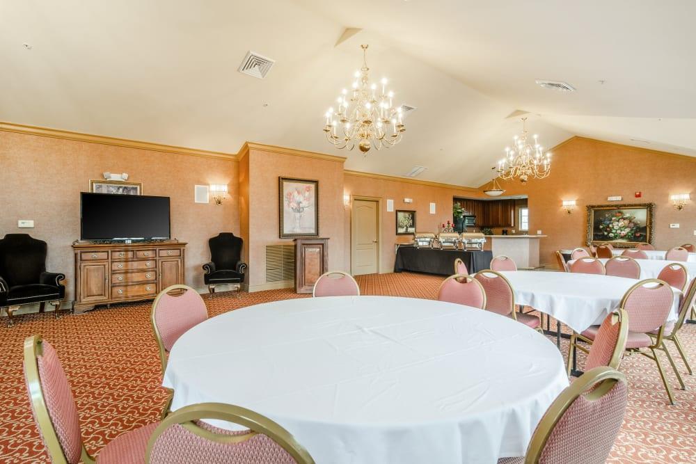 A large dining room at Central Park Estates in Novi, Michigan