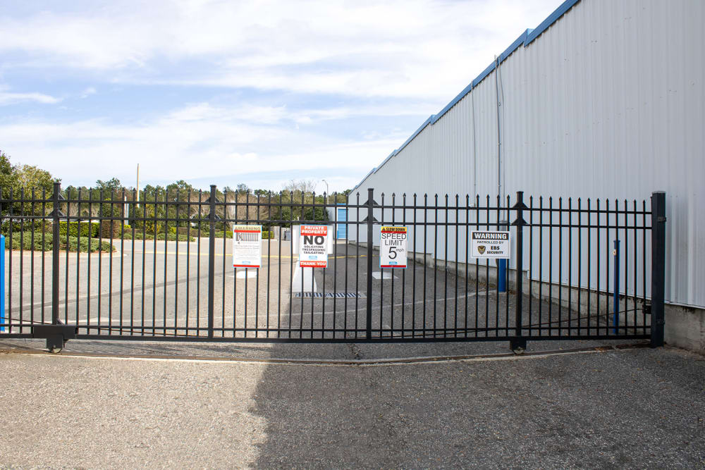 Large gate at Atlantic Self Storage in Jacksonville, Florida