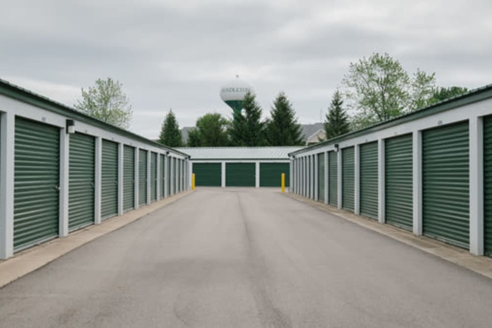 Large open driveways at StayLock Storage in Pendleton, Indiana