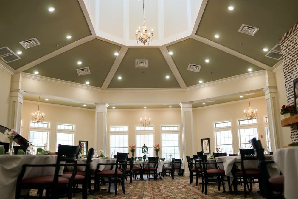 Elegant Dining Room at The Claiborne at Hattiesburg Independent Living in Hattiesburg, Mississippi