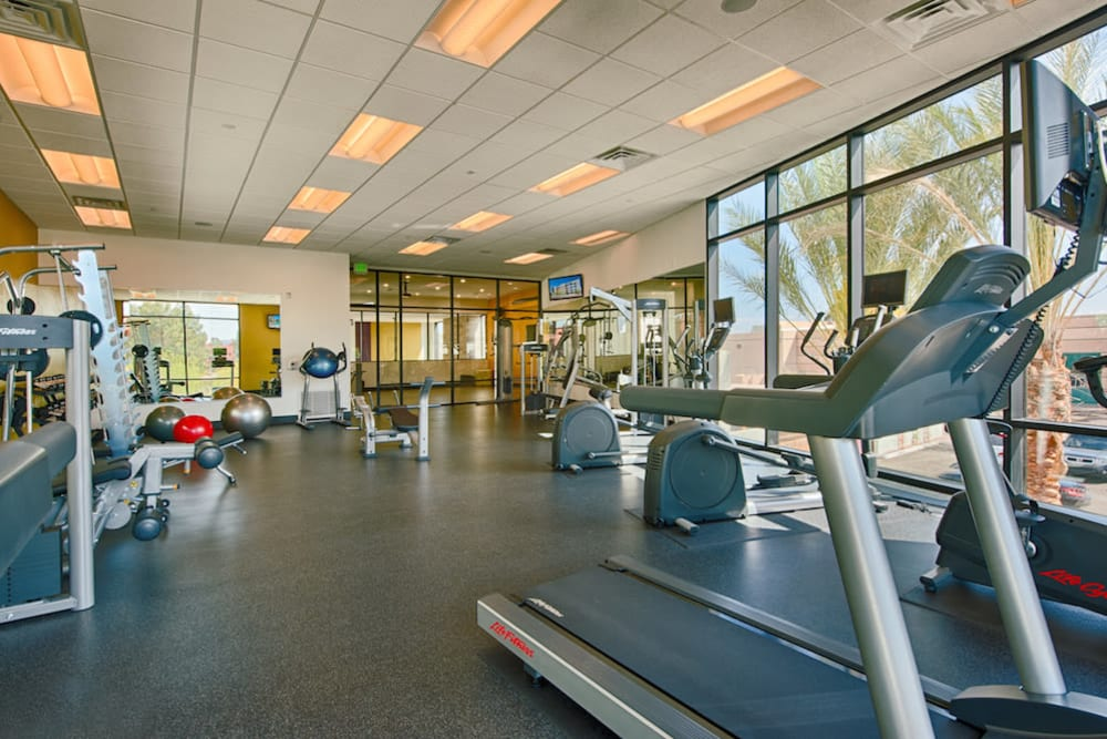 Very well-equipped onsite fitness center at Cactus Forty-2 in Phoenix, Arizona