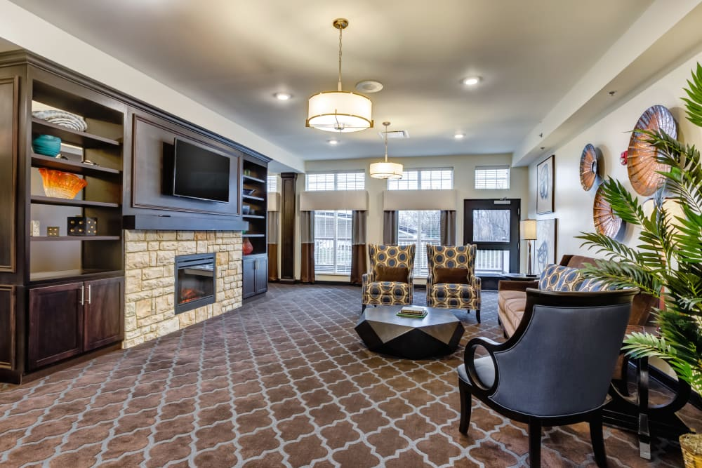 A lounge for residents to unwind at The Oaks at Belmont in Belmont, Michigan