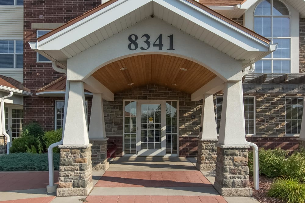 View of the main entrance at Applewood Pointe of Bloomington in Bloomington, Minnesota.