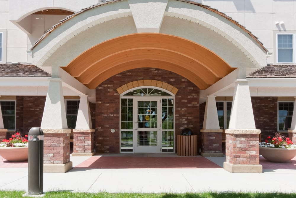 Front of main building at Applewood Pointe Bloomington at Southtown in Bloomington, Minnesota.