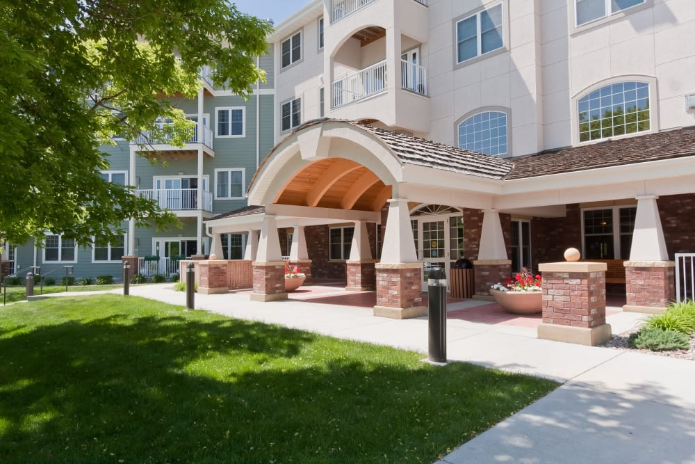 Main entrance to Applewood Pointe Bloomington at Southtown in Bloomington, Minnesota.