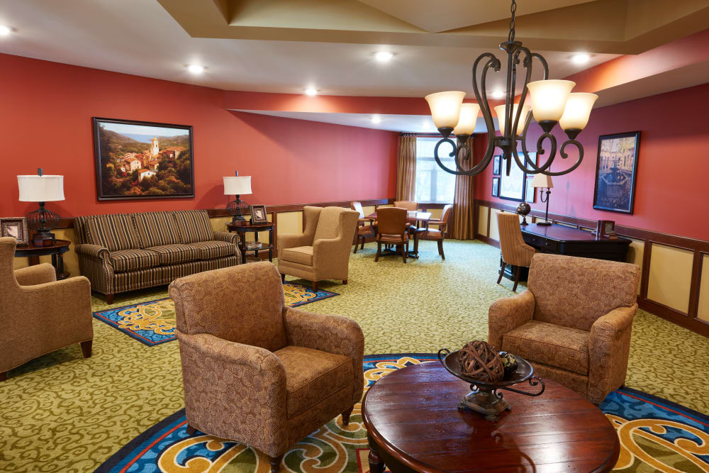 Resident lounge at Applewood Pointe Bloomington at Valley West community in Bloomington,  Minnesota.