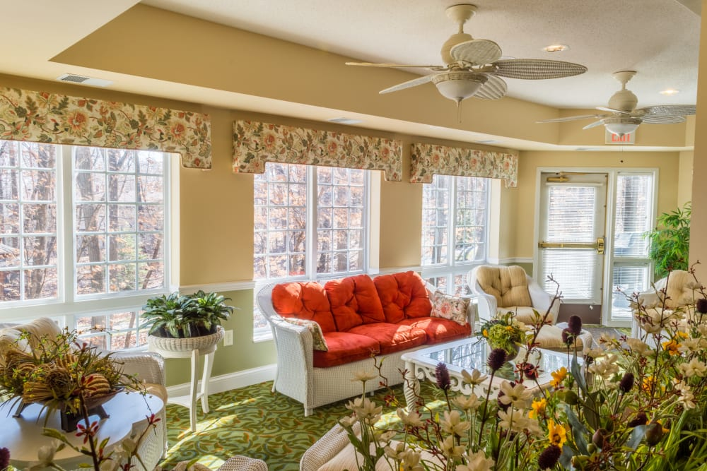 The sunroom at Applewood Pointe Maple Grove in Maple Grove, Minnesota.