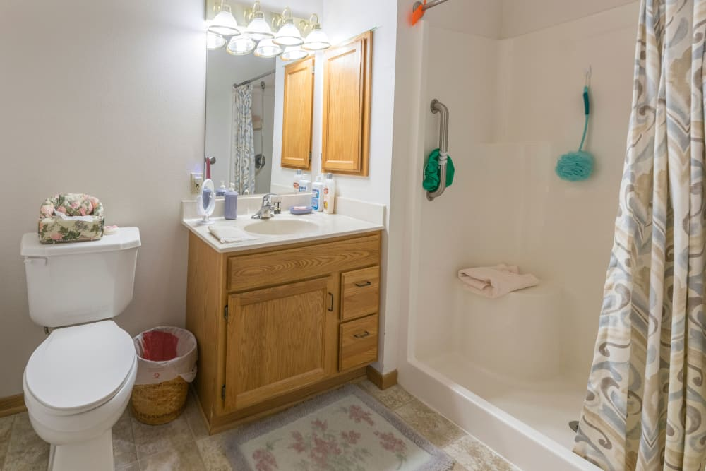 Resident bathroom at Meadow Lakes Senior Living in Rochester, Minnesota.