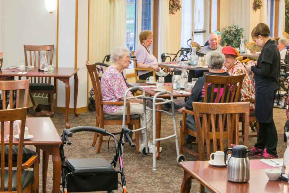 Spacious resident dining room at Meadow Lakes Senior Living in Rochester, Minnesota.