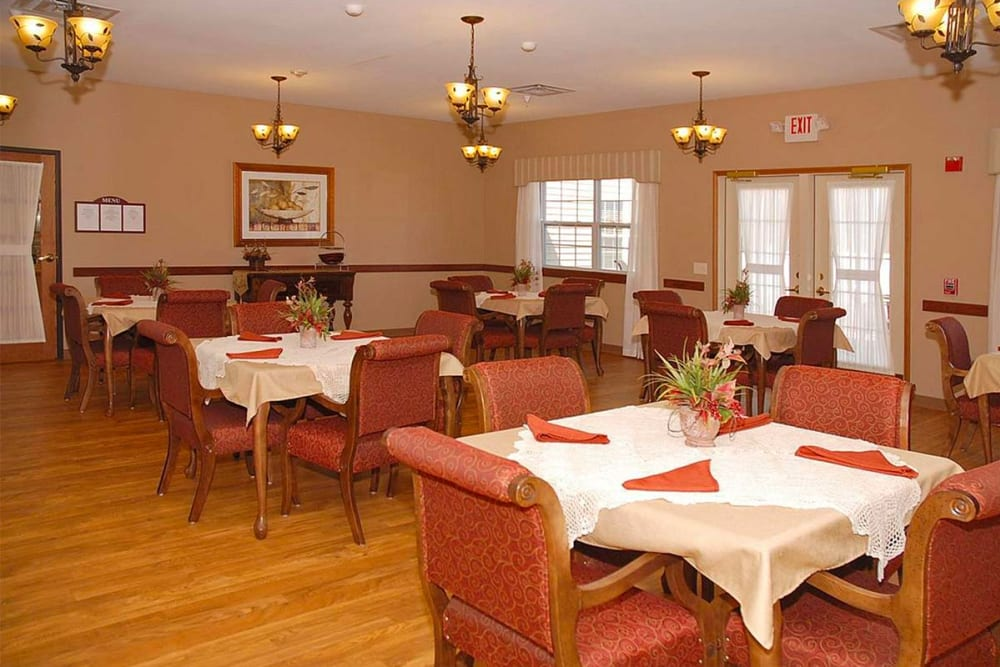 Spacious resident dining room at Milestone Senior Living in Eau Claire, Wisconsin.