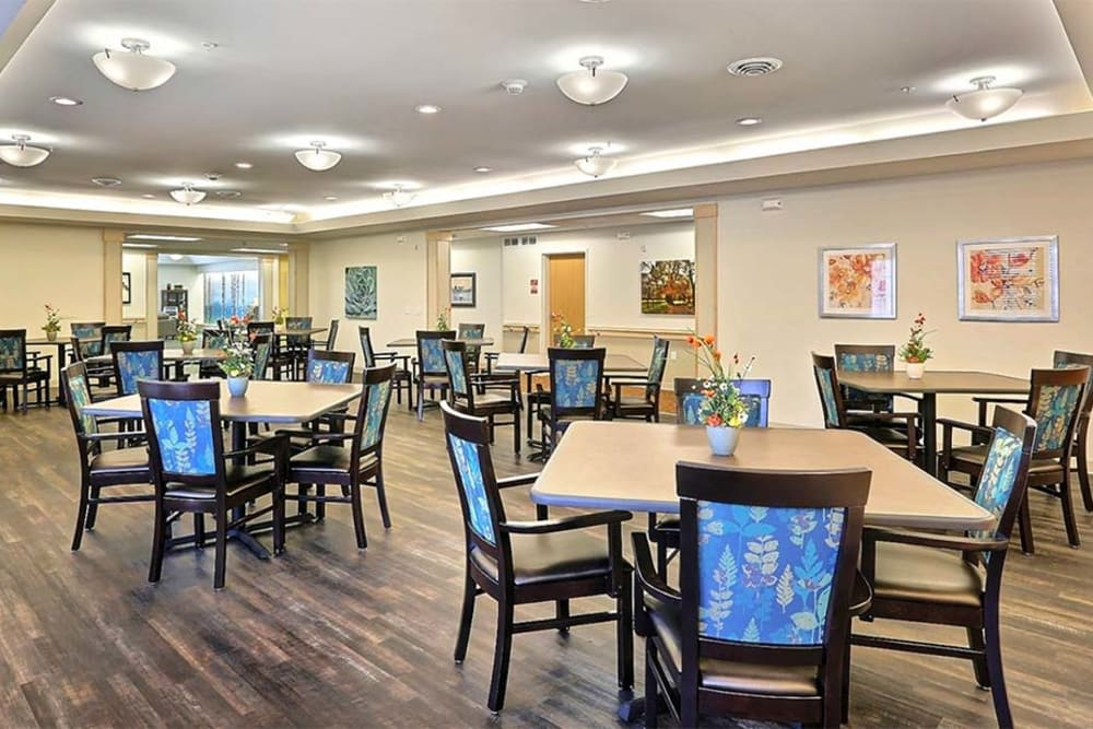Resident dining room at Milestone Senior Living in Stoughton, Wisconsin