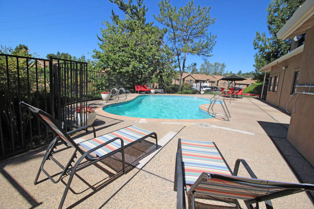 Sparkling pool of Foothill Terrace in Auburn, California