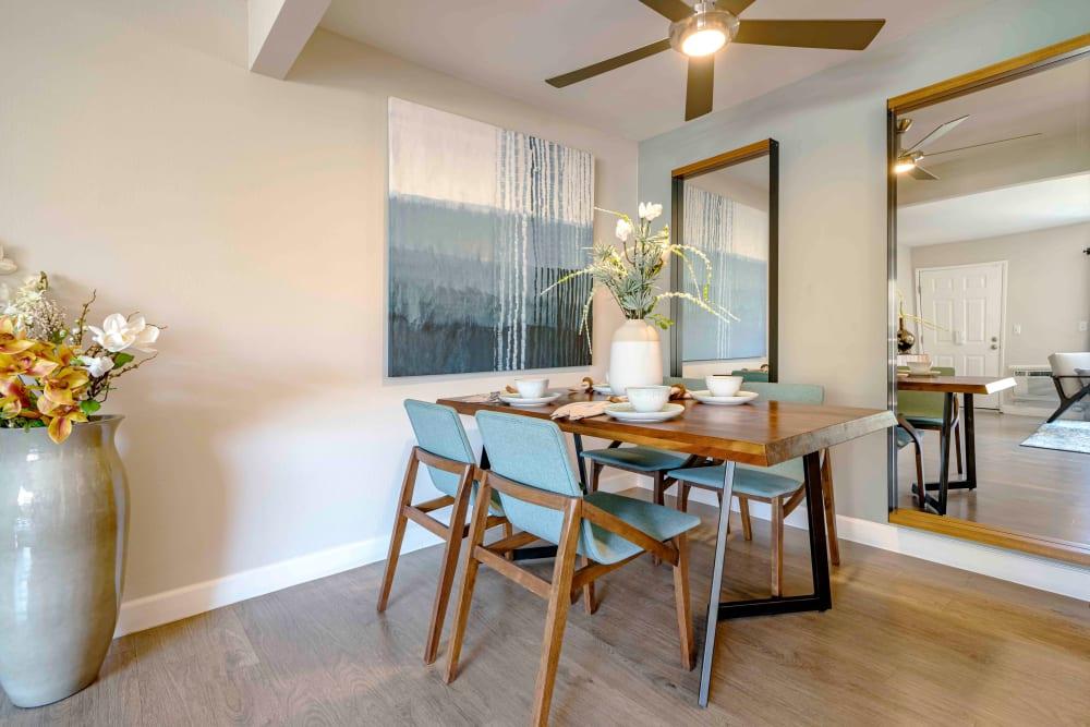 Sofi Berryessa offers a Dining Room in San Jose, California