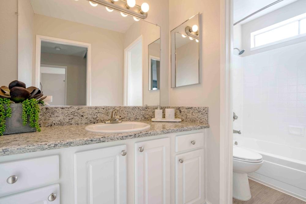 Sofi Berryessa offers a Bathroom in San Jose, California