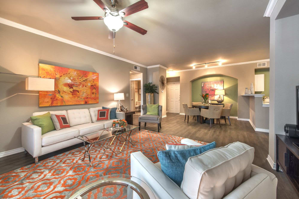 Spacious living room of Olympus 7th Street Station in Fort Worth, Texas