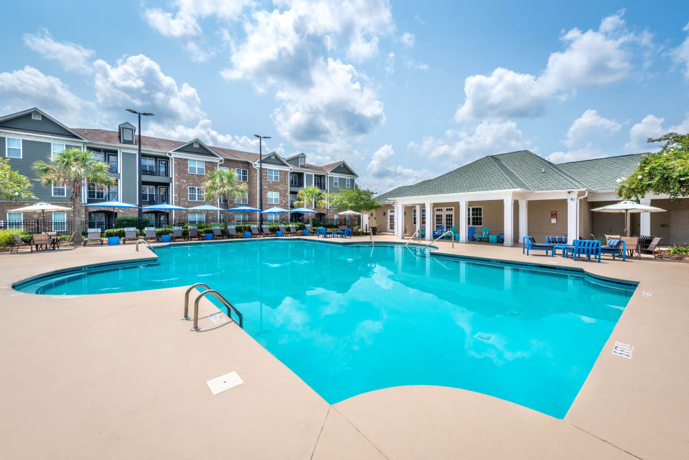 Resort-style swimming pool at Olympus Carrington in Pooler, Georgia