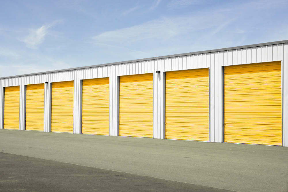 Drive up storage units in Euless, Texas at Storage 365