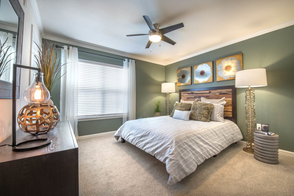 Large bright bedroom at Olympus Hillwood in Murfreesboro, Tennessee