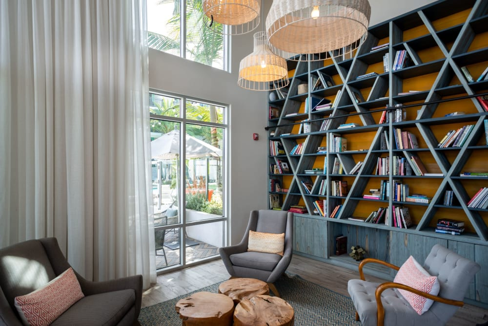 Resident library and lounge at Olympus Corsair in San Diego, California