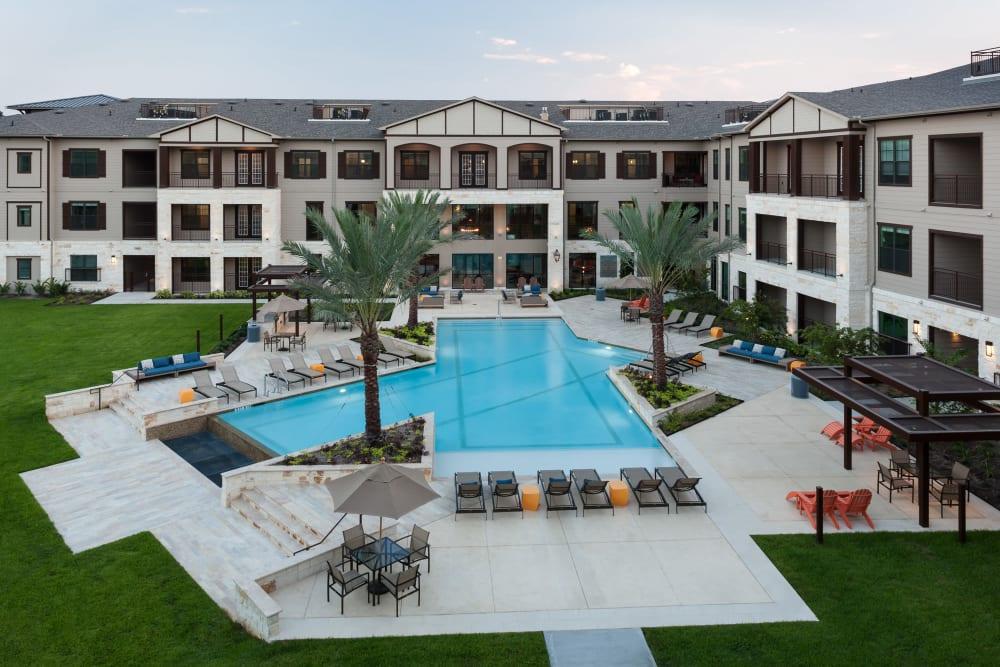 Tropical pool at Olympus Auburn Lakes in Spring, Texas