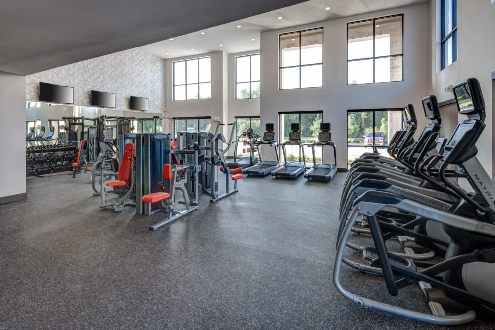 Onsite athletic club at Olympus Auburn Lakes in Spring, Texas
