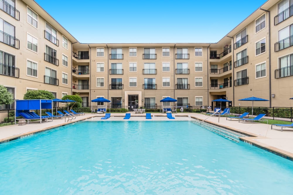 Large swimming pool at Olympus Boulevard in Frisco, Texas