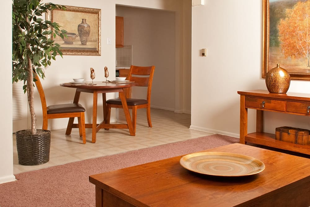 Dining area at Alpine Court Apartments in Stratford, New Jersey