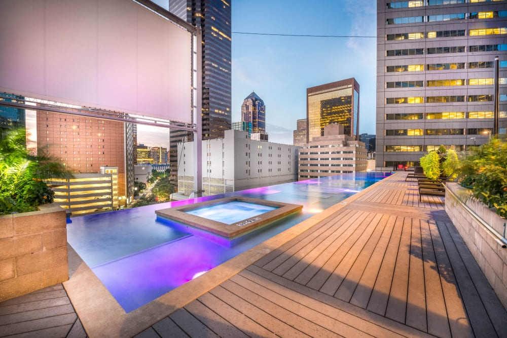 Infinity pool with hot tub at Mosaic Dallas in Dallas, Texas