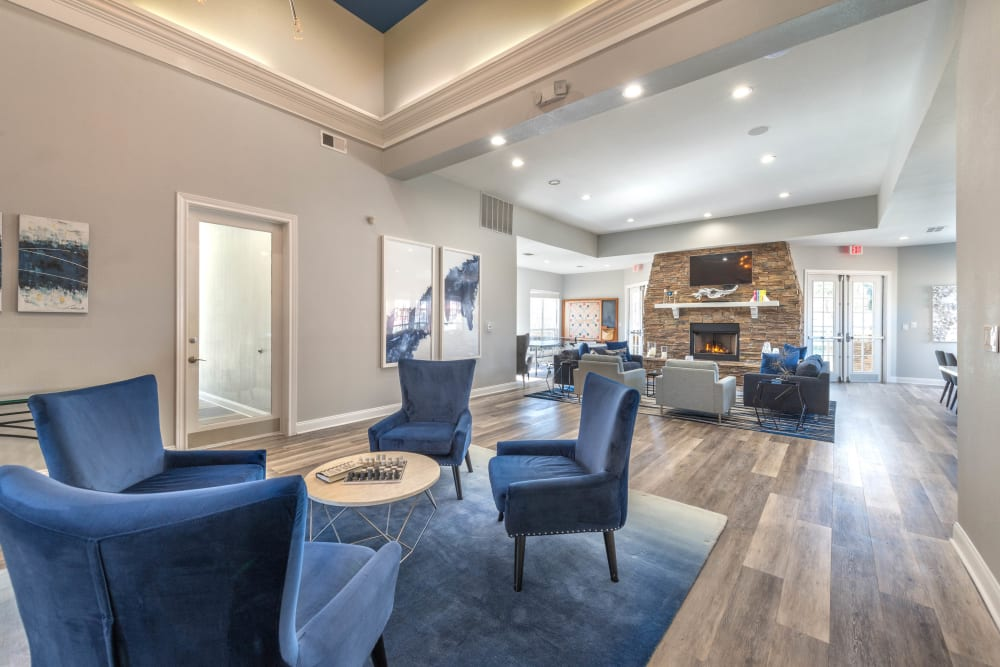 Luxurious resident clubhouse lounge at Olympus Stone Glen in Keller, Texas