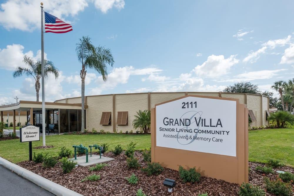 Community sign at Grand Villa of Lakeland in Florida