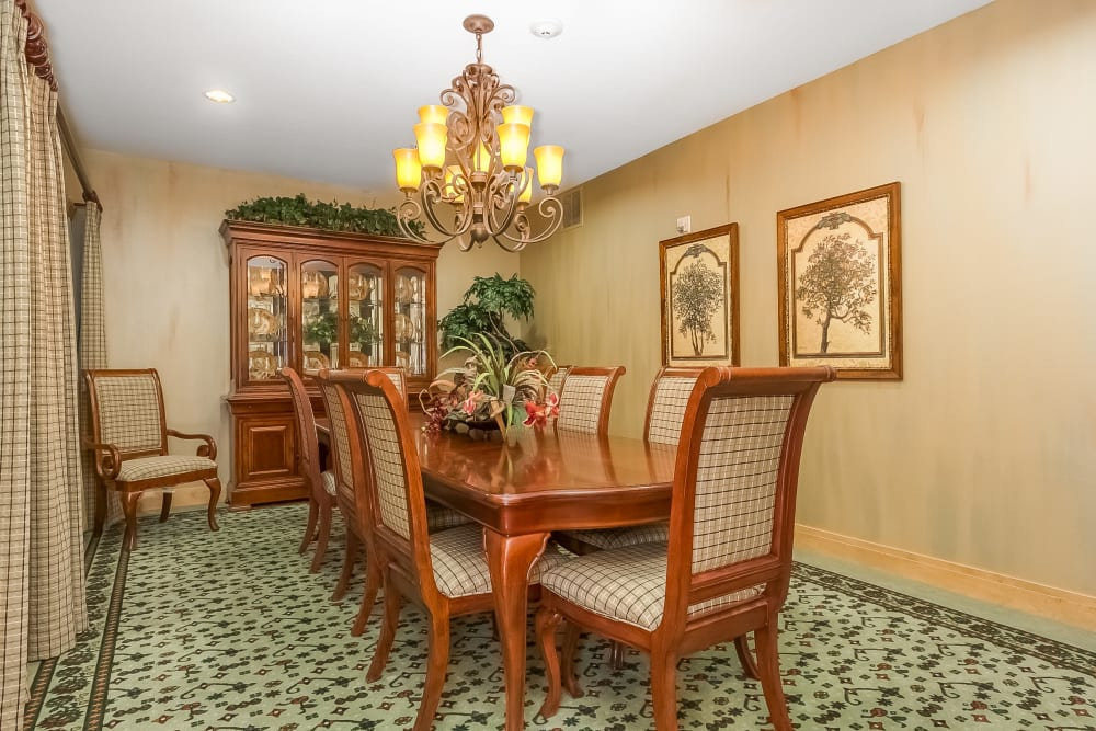 A private dining room at Applewood Pointe of New Brighton in New Brighton, Minnesota.