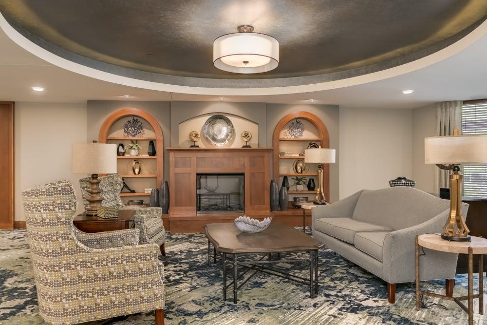 Resident lounge at Applewood Pointe Roseville at Central Park in Roseville, Minnesota.