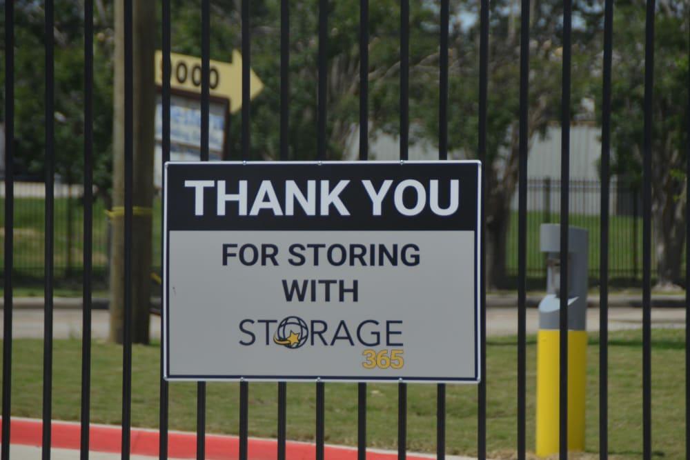 Storage sign at Storage 365