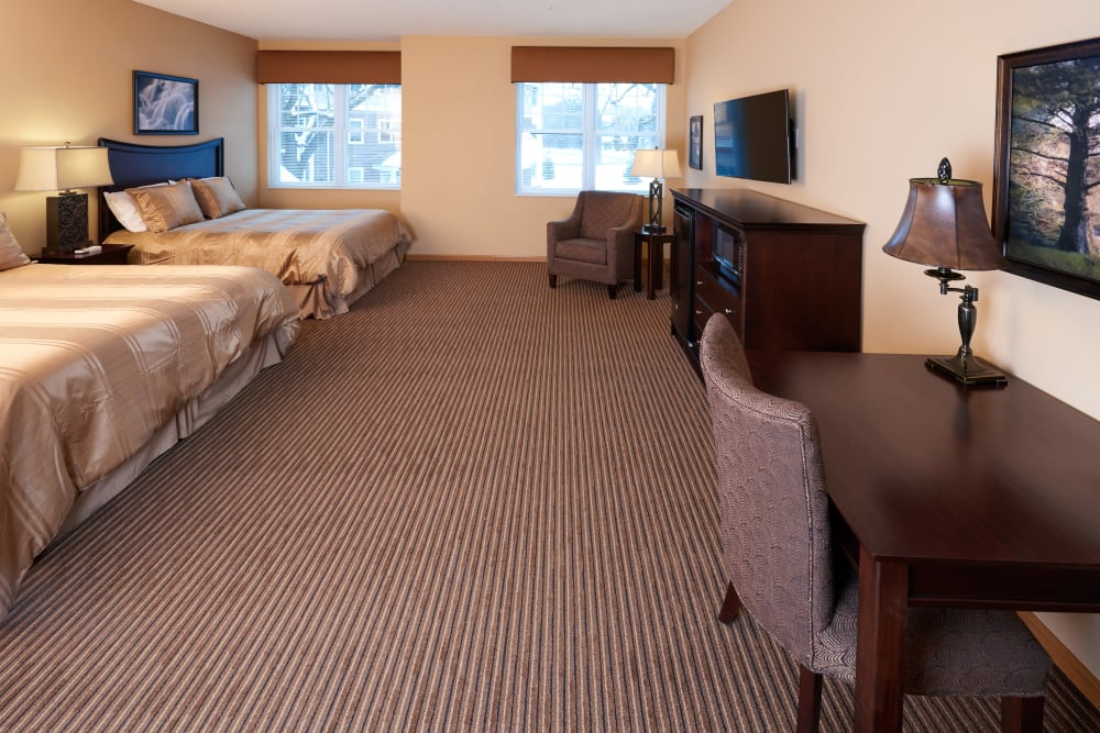 A guest room at Applewood Pointe Shoreview in Shoreview, Minnesota.
