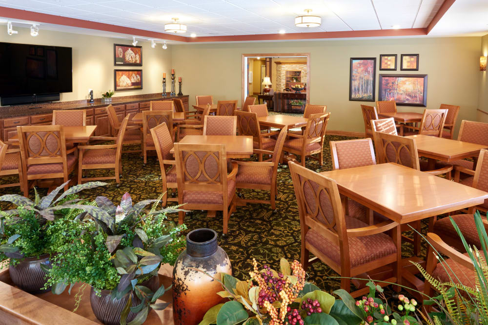 The great room at Applewood Pointe Shoreview in Shoreview, Minnesota.