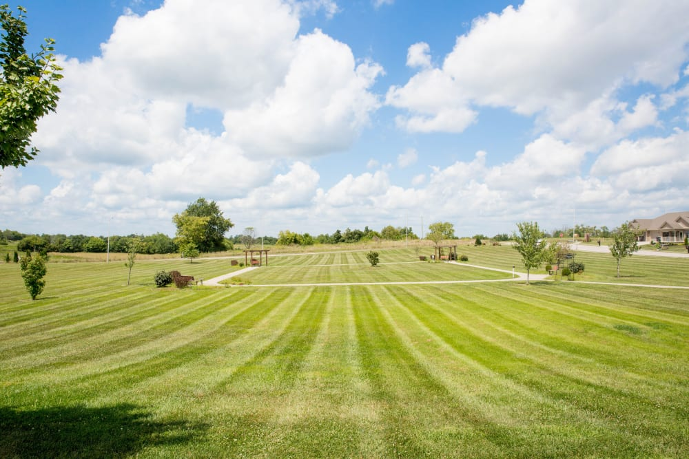 Sweeping view of lawn and grounds at Arcadian Cove in Richmond, Kentucky.