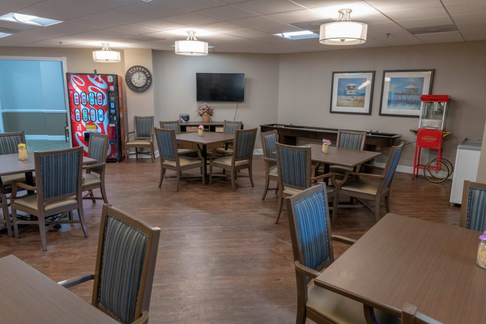 A row of dining tables at Royal Palm Senior Living in Port Charlotte, Florida