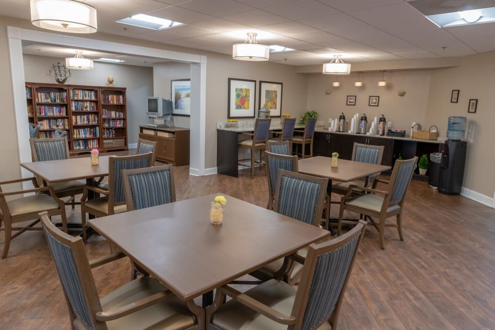 A table for 4 at Royal Palm Senior Living in Port Charlotte, Florida