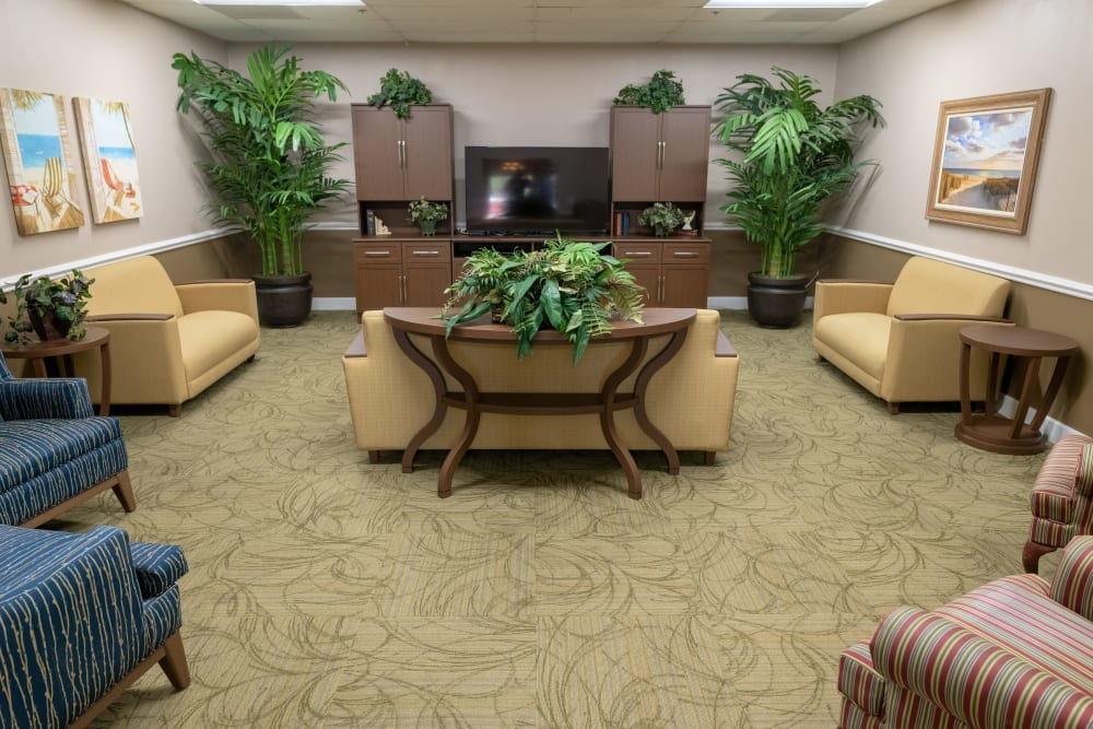 A comfortable lounge at Royal Palm Senior Living in Port Charlotte, Florida