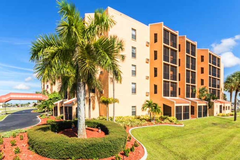 Outside view of main building at Royal Palm in Port Charlotte, Florida