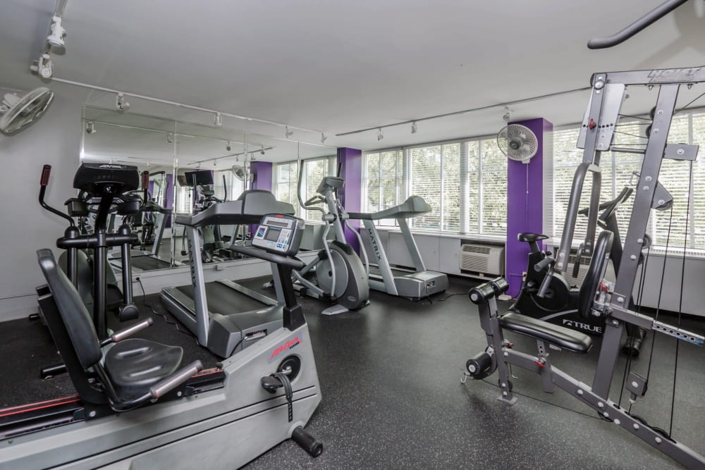 Fully equipped fitness center at Prairie Shores in Chicago, Illinois