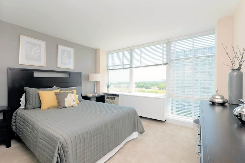 Master bedroom at Prairie Shores in Chicago, Illinois