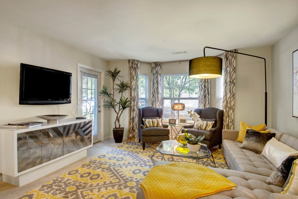 A furnished apartment living room at Ellington Metro West in Westborough, Massachusetts
